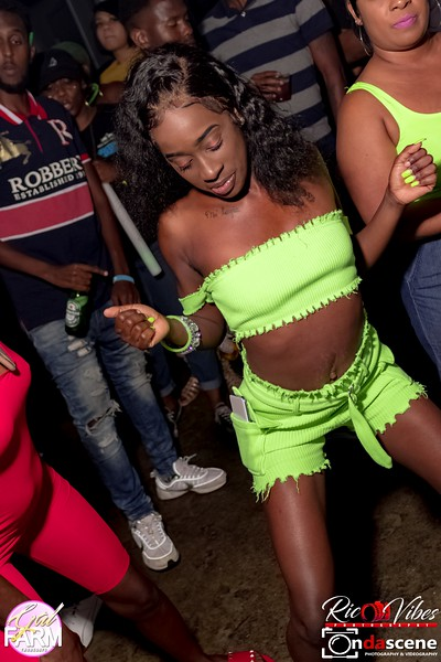 GAL FARM THURSDAYS PRESENTS IT'S GLOW NEON EDITION-65.jpg