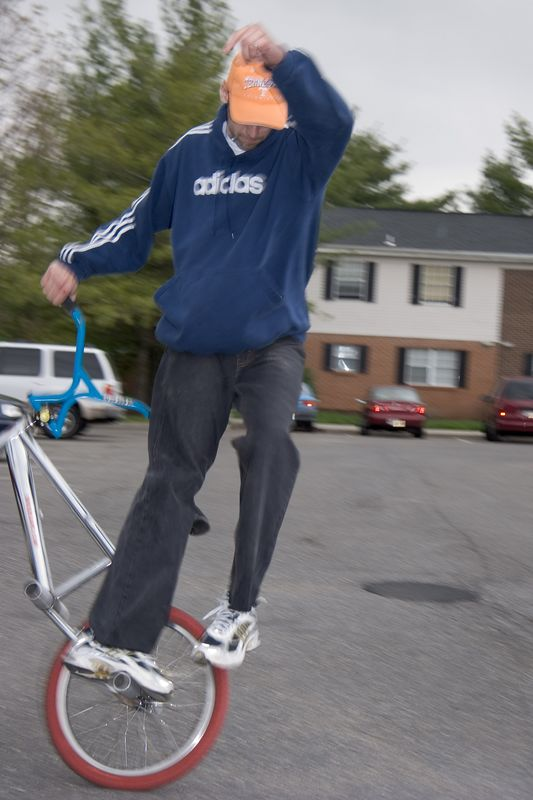 BMX with 6 pegs, no chain, no brakes, no worries