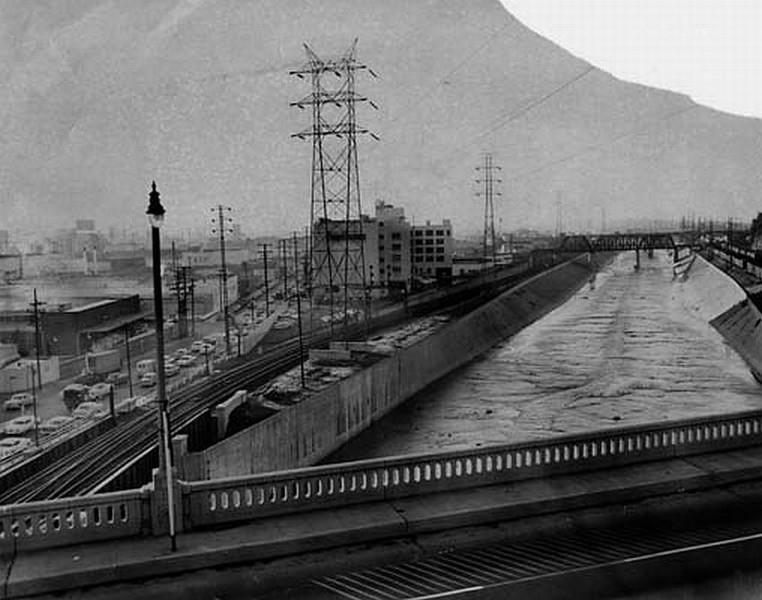 LA-River04.jpg