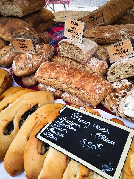 aix en provence market bread.jpg