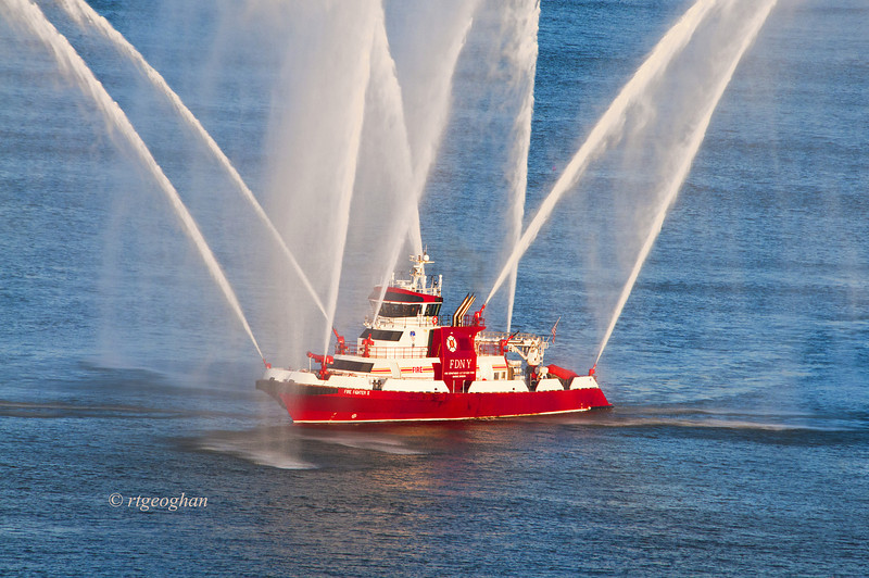 July 4_NYC July 4 Fireboat_1129.jpg