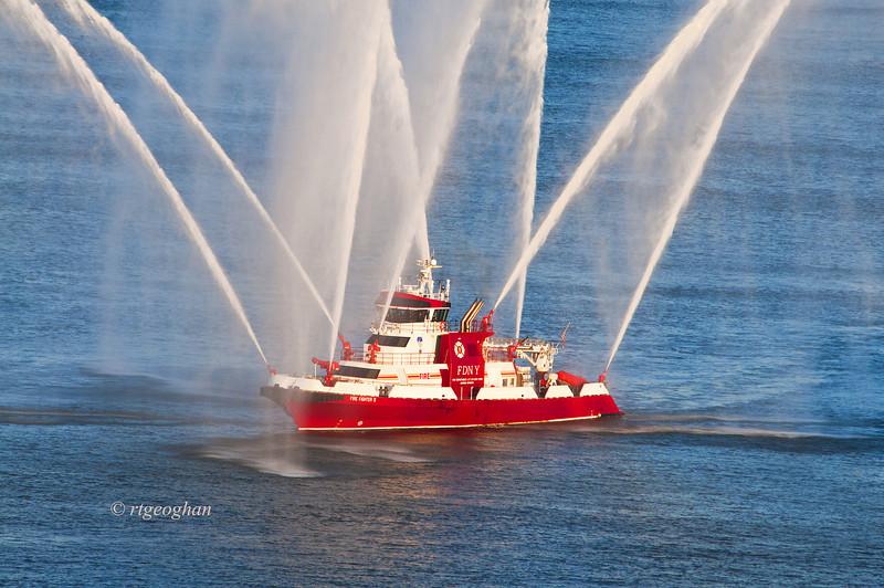 July 4_NYC July 4 Fireboat_1129.jpg