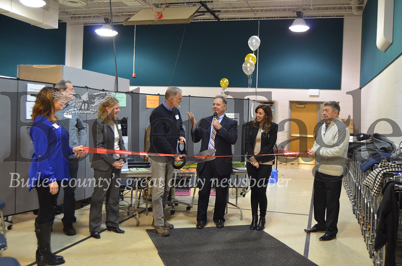 The Lighthouse Foundations board members cut a ribbon Nov. 15 in honor of the new facility located in Valencia. Photos from Alexandria Mansfield