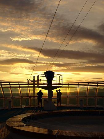 AK Cruise Departs Seattle/Sun-Sky Series, 08/18/2008