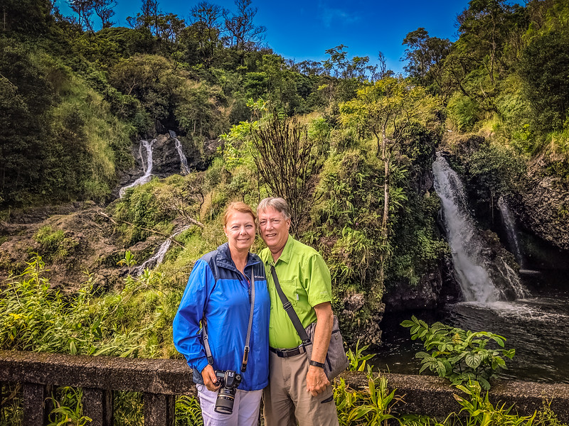 """A bus tour for the """"road to Hana"""""""