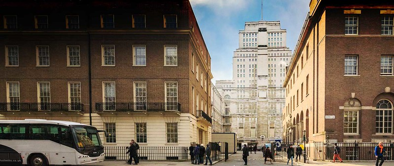 Senate House Library from Russell Square.jpg