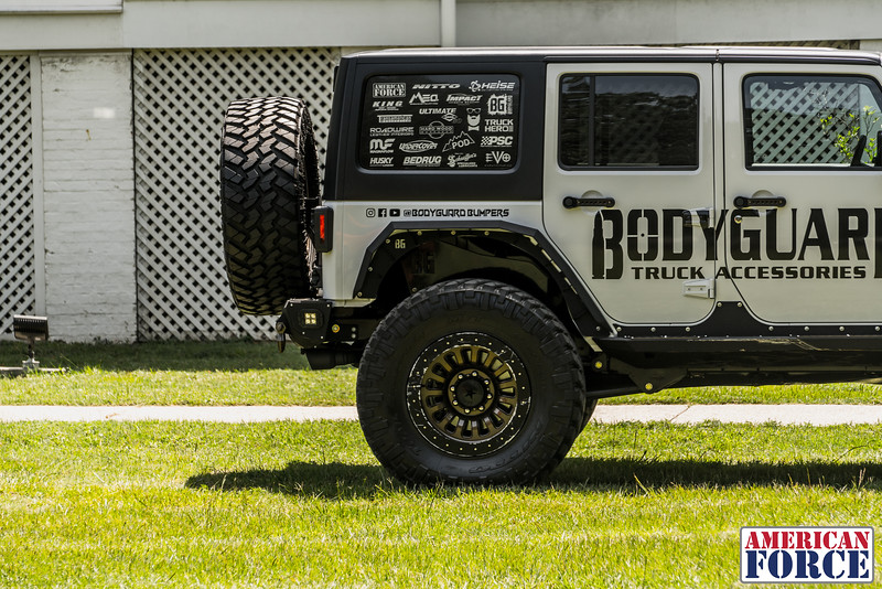 @BodyGuardBumpers Colin 2017 Jeep Wrangler Rubicon 20x10 DUNE Beadlock @Meoffroad-AFW03076-10June 22, 2018.jpg