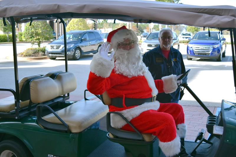 2016 Santa Visits J&P Cycles (1).JPG