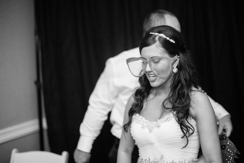 1133_Josh+Lindsey_WeddingBW.jpg