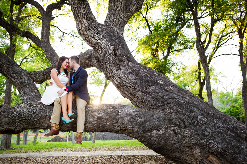 Engagement-Photo-Outfit-Ideas-013.jpg