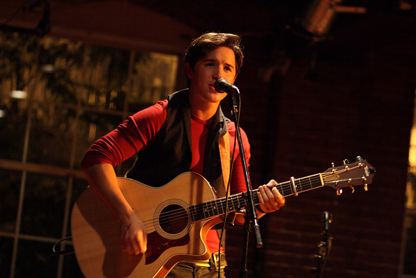 Ryan Schmidt at Millys Tavern