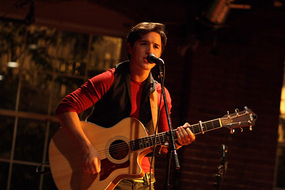 Ryan Schmidt at Millys Tavern
