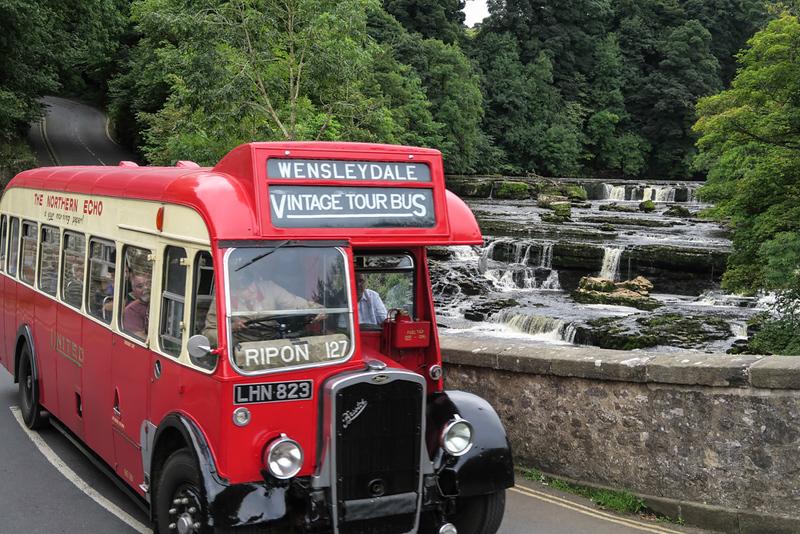 Wensleydale Vintage Tour Bus (1).JPG