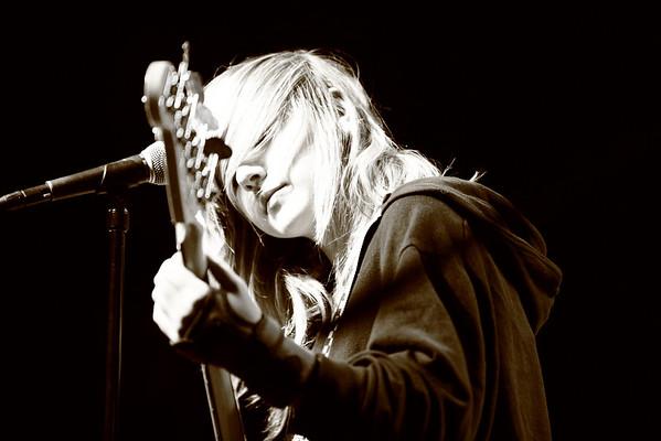 02.12.11 - School of Rock: Durty Nellie's - Weezer & The 52s