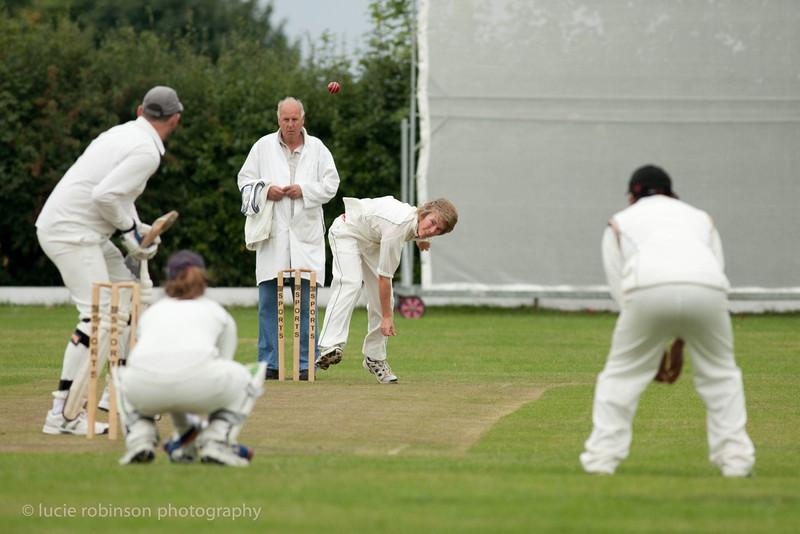 110820 - cricket - 007-2.jpg