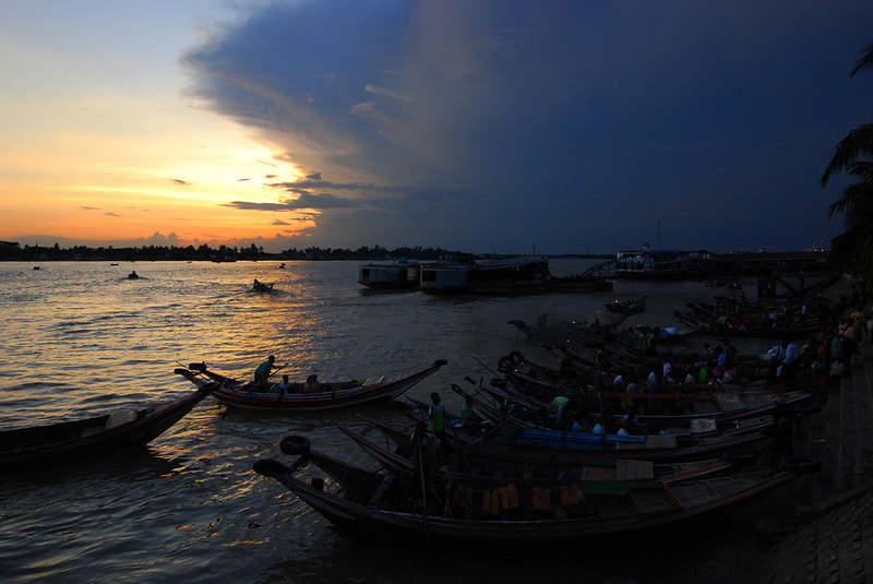 Yangon River at Sunset.jpg