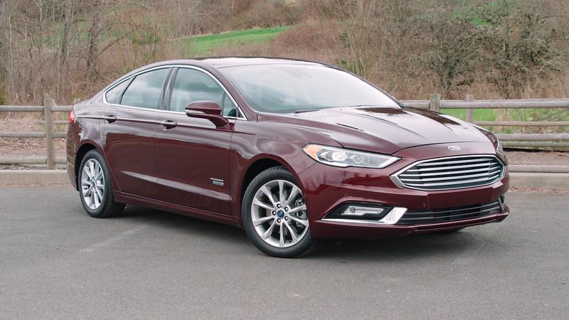 2017 Ford Fusion Energi Titanium Parked Reel