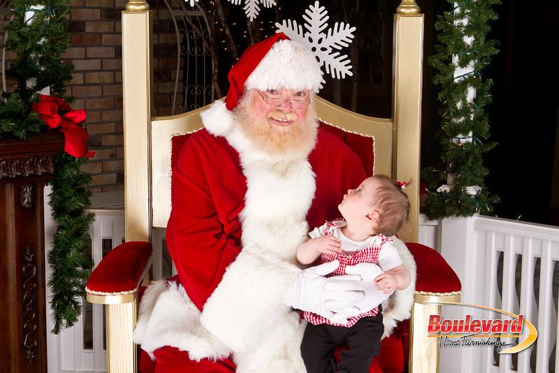 Santa Dec 8-208.jpg