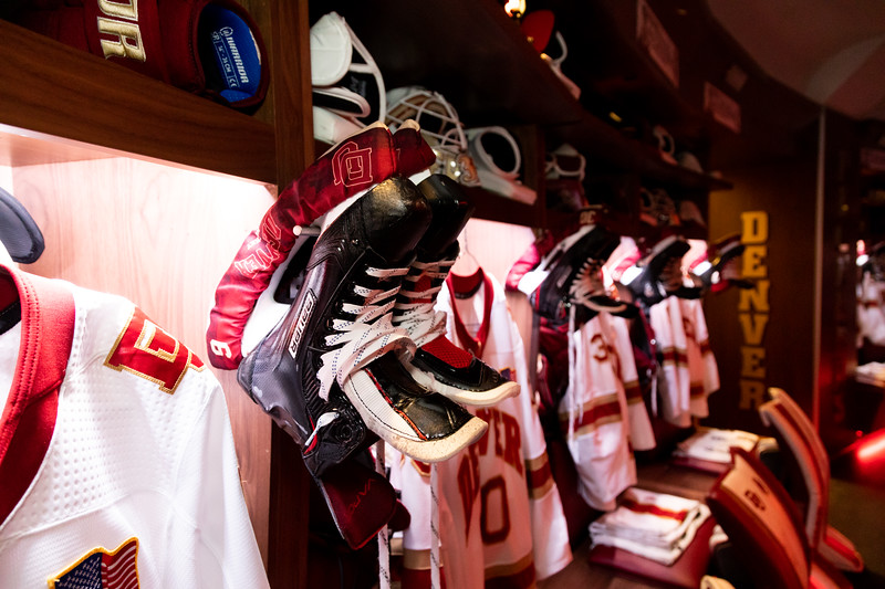 20181103-DU-Hockey-RibbonCutting-263.jpg
