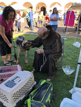 10-05-2019 Blessing of the Animals Group 3