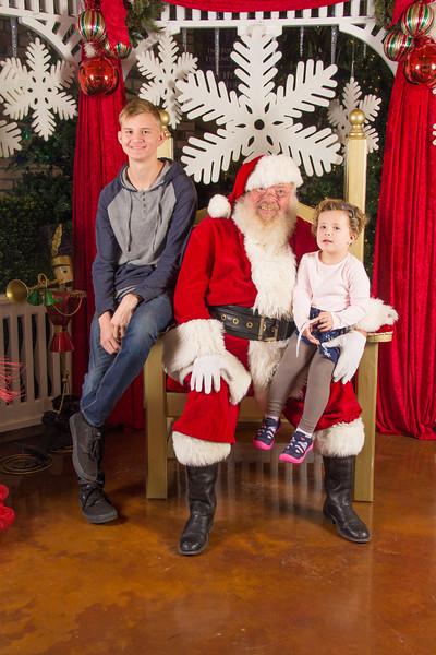 Santa 12-16-17-114.jpg