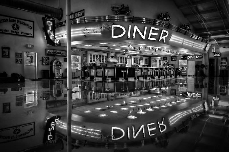 HLW Nash Nanas Diner B&W.jpg