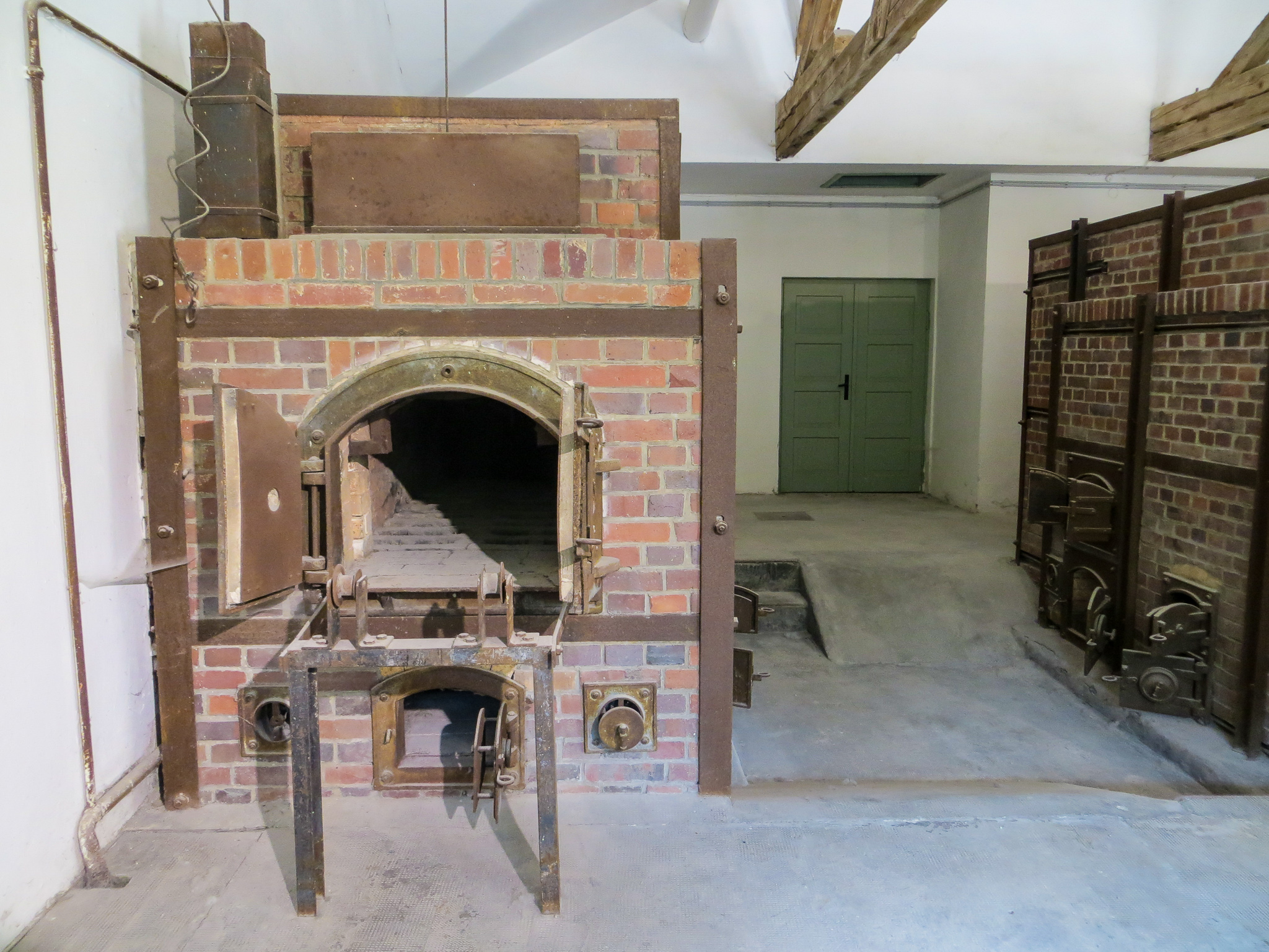 dachau tours from munich: be preapred for the crematorium