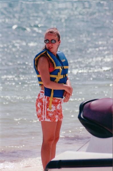 Cayman 2001