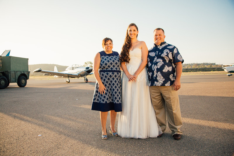Kevin and Hunter Wedding Photography-18510677.jpg