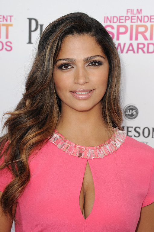 . SANTA MONICA, CA - FEBRUARY 23:  Model Camila Alves attends the 2013 Film Independent Spirit Awards at Santa Monica Beach on February 23, 2013 in Santa Monica, California.  (Photo by Kevin Winter/Getty Images)