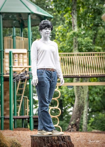 Kim M - Statue