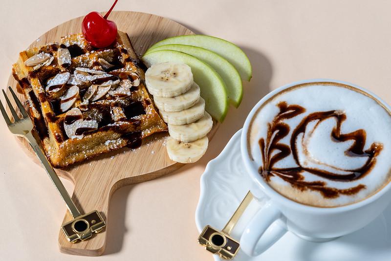 Combi (Waffle and coffee)