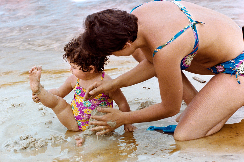 1978-5-14 #9-10 Erica At Beach.jpg