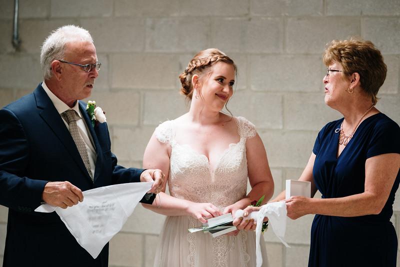 rustic_ohio__fall_barn_wedding-164.jpg