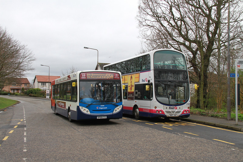 27610 rolls up at Scotstoun on a 55A positioning journey from Dunfermline depot