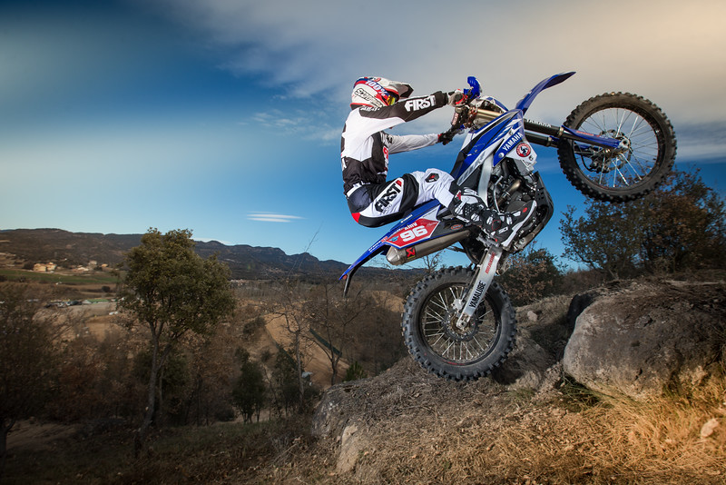 2016_Enduro2_Outsiders_Official_WR450F_Guerrero_Action 5.jpg