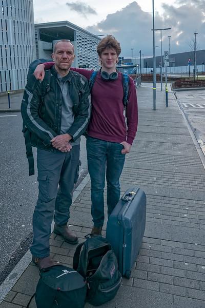 Abflug in Stavanger. Helga lässt uns ungerne ziehen.