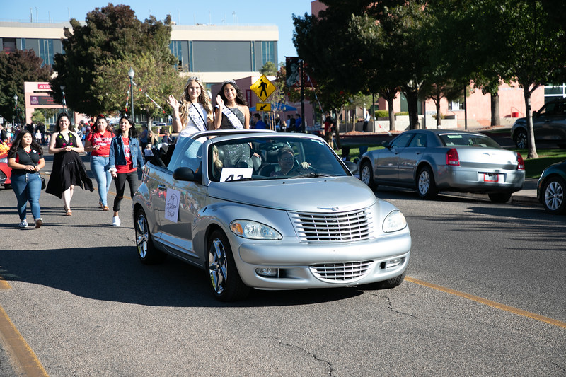 HOMECOMING PARADE 2019-1926.jpg