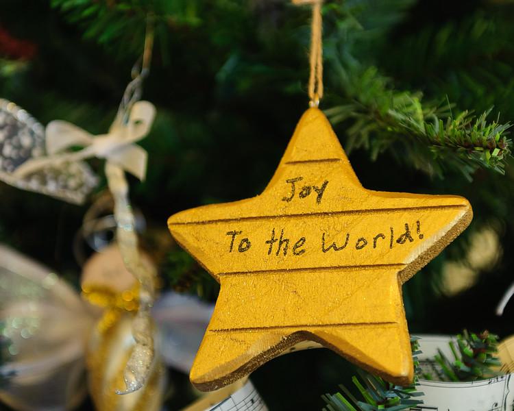 20151215 Faith Formation Christmas Tree-6119.jpg