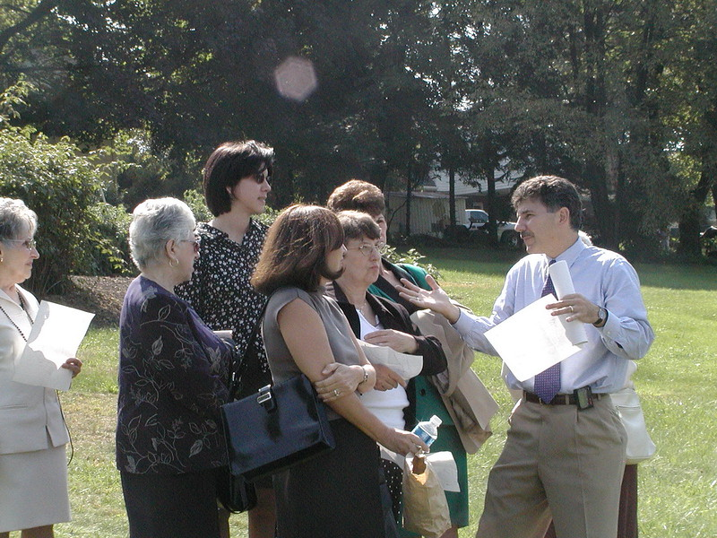 2002-09-29-Community-Field-of-Dreams-Tour-1_106.jpg