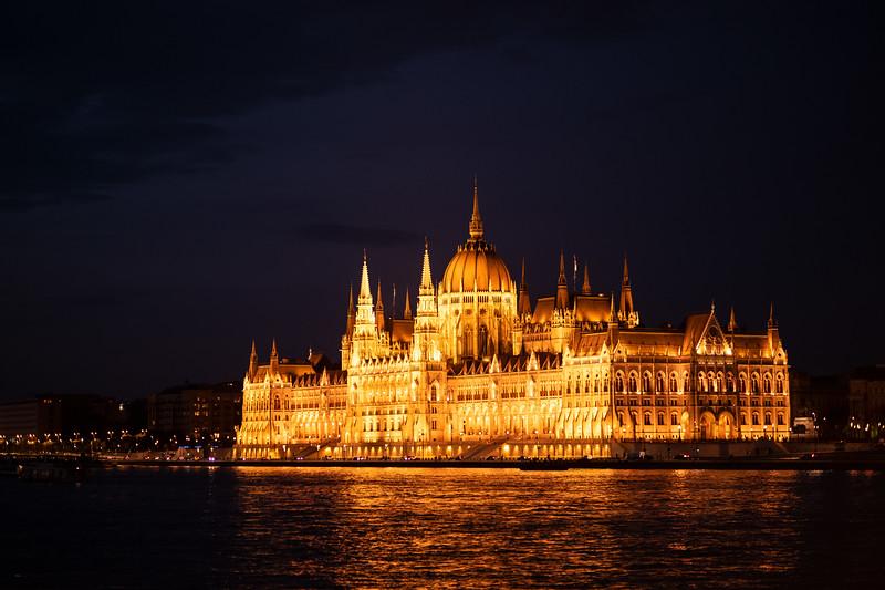 K Hungarian Parliament.jpg