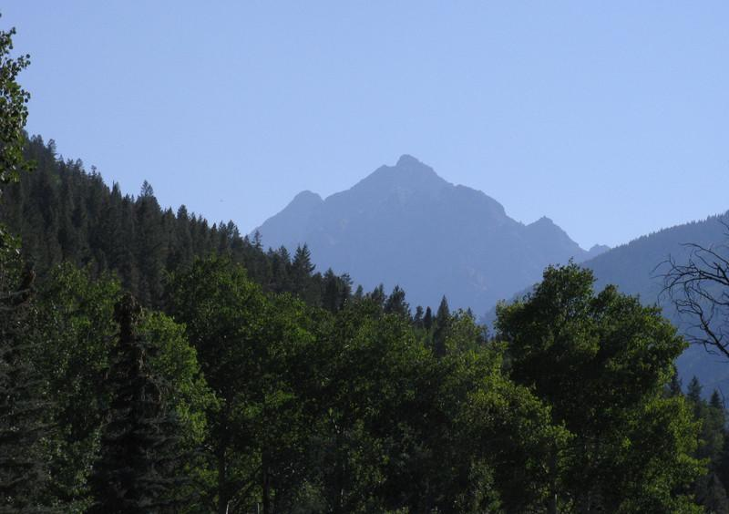 OK, Thursday afternoon of Labor Day weekend - a first view of Pyramid Pk as I drive up the road to Maroon Lake.