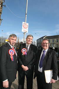 South Down DUP candidates William Burns (left) and Jim Wells with election agent Stanley Priestly (right).  07-107-07.