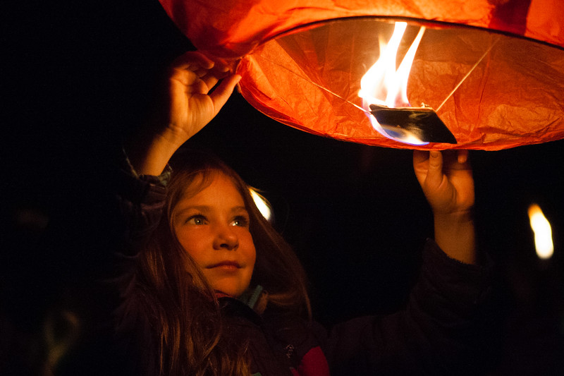 Holly Days Lantern Launch-37.jpg