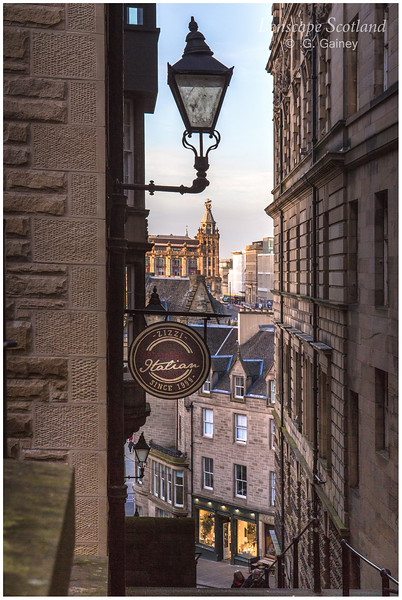 Warriston's Close lamp
