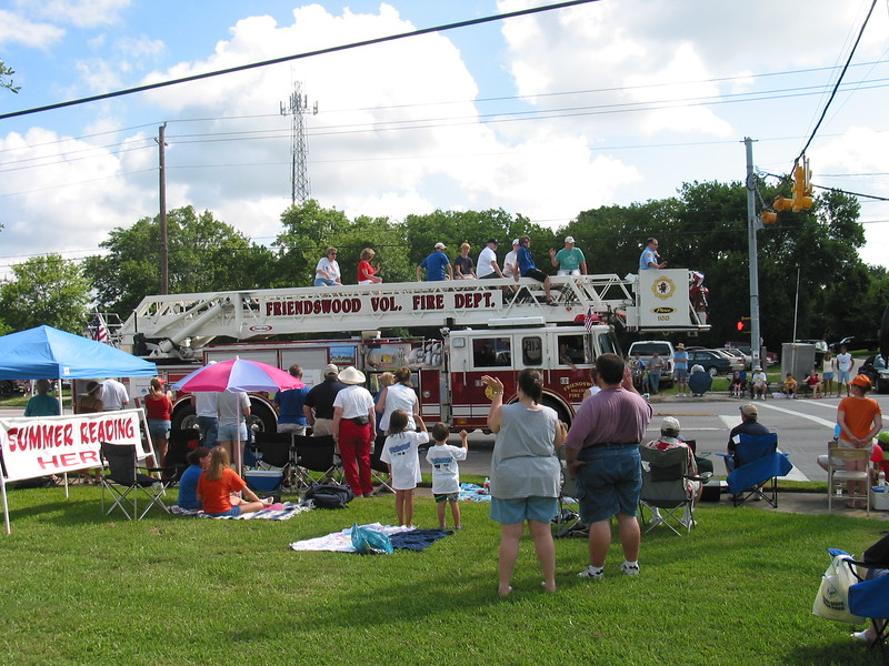 Picture_DON_70042004_Parade_009.jpg
