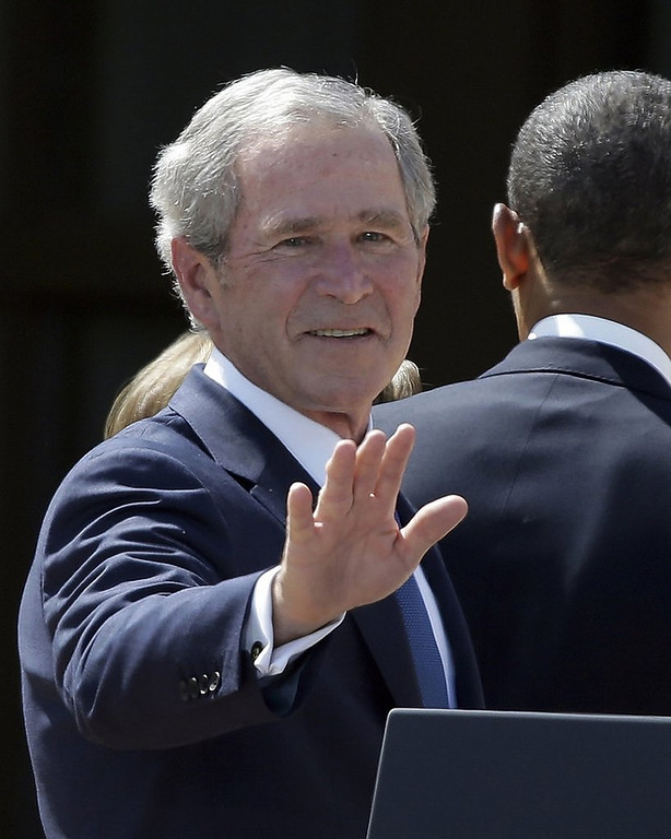 ". <p><b><a href=\'http://www.twincities.com/breakingnews/ci_23804057/president-george-w-bush-has-stent-procedure\' target=""_blank\""> 4. George W. Bush </a></b> <p>Doctors find blockage in one of his arteries, but uncover no weapons of mass destruction. (unranked) <p> --------------------------------------------   (AP Photo/LM Otero, File)"