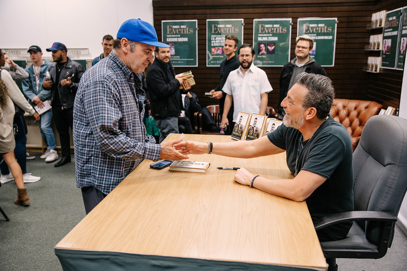 2019_2_28_TWOTW_BookSigning_SP_439.jpg