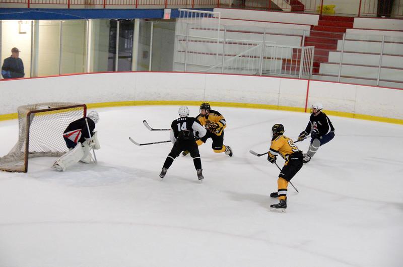 140913 Jr. Bruins vs. 495 Stars-190.JPG
