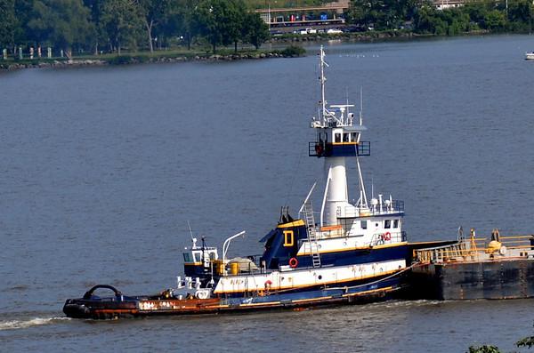 Coral Coast / Cement transporter 5300 Newburgh Landing 8/27/13 16:08 hd hrs